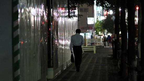 近四分之一的日本企业员工每月加班时间超过80小时