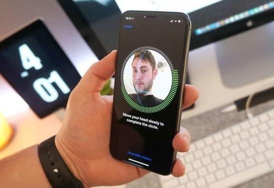 iPhoneX新增FaceID功能