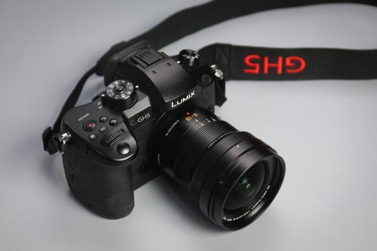 LEICA 8-18mm f/2.8-4.0搭配松下LUMIX GH5整体外观,非常和谐