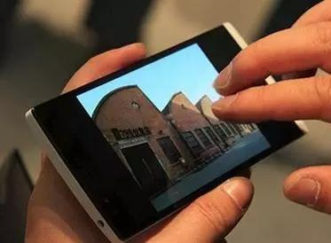 """国产手机不但越来越得到国人的青睐,甚至已经走向世界,成为了""""中国制造""""的新名片。"""