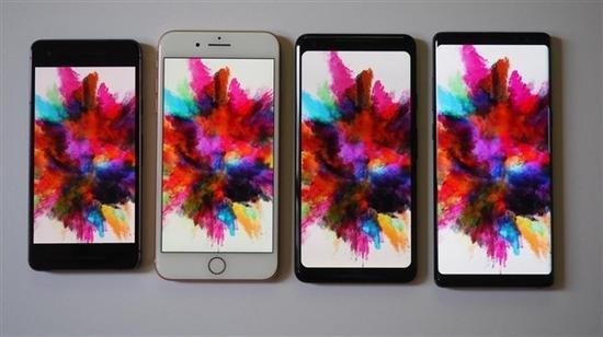 Pixel 2、 iPhone 8 Plus、Pixel 2 XL、Galaxy Note 8屏幕显示对比