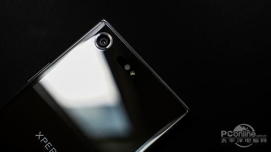 索尼手机依旧难以同苹果三星等厂家的产品竞争。对于索尼手机,或许真的是软件毁一生啊。