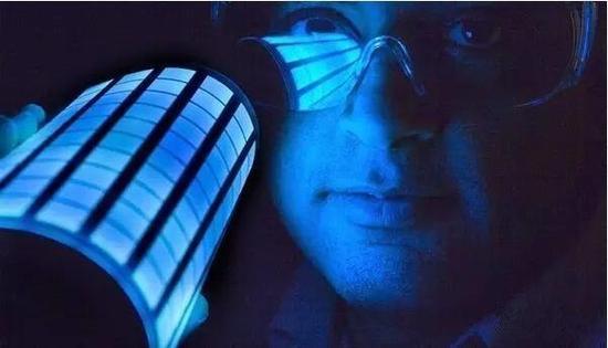 OLED中的蓝光衰减得比红绿色更快