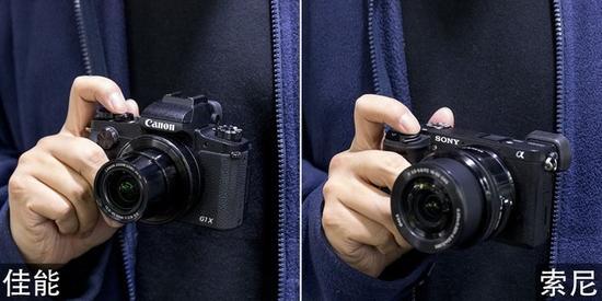 作为便携机型,这两款相机都能轻松实现单手握持拍摄