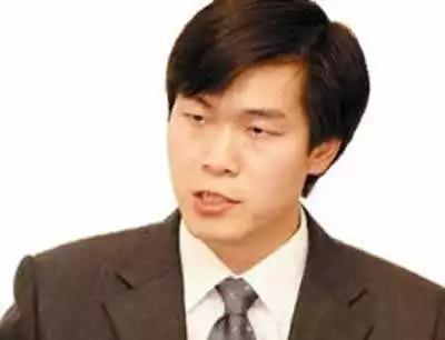 2000年,姚劲波创办国内最大的域名交易及增值服务网站