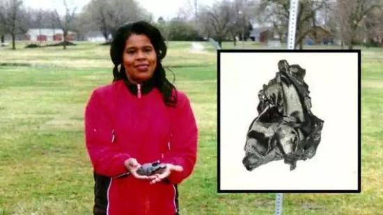 整个人类历史上,仅有名为Lottie Williams的美国人在1997年跟一块落入地球的美国火箭第二级碎片擦肩而过(未击中)。