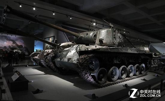 美国M26潘兴重型坦克