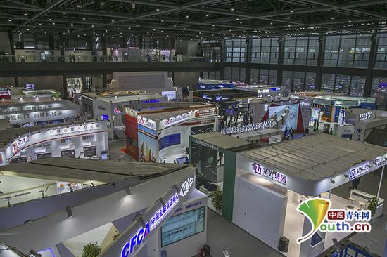 第四届乌镇互联网大会之光博览会现场。中国青年网记者 宋继祥 摄