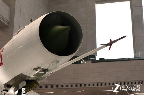歼-8机头的空速管