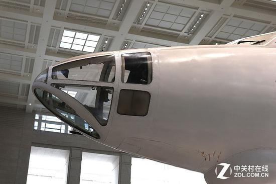 轰-6机头部分