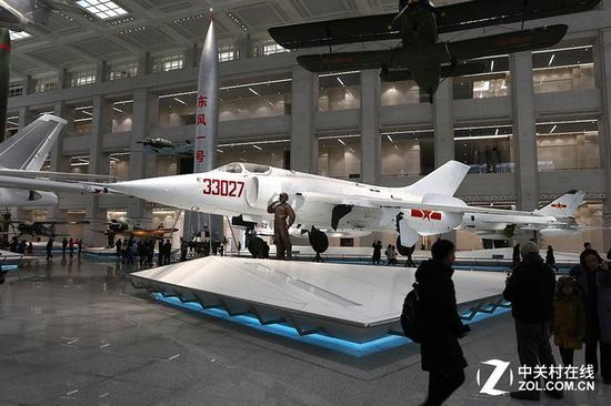 中国强-5强击机