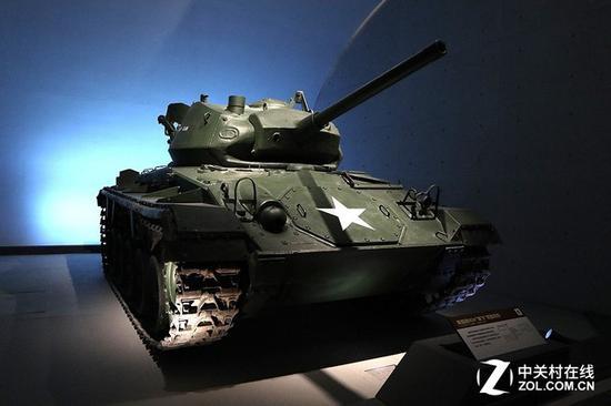 美国M24霞飞轻型坦克