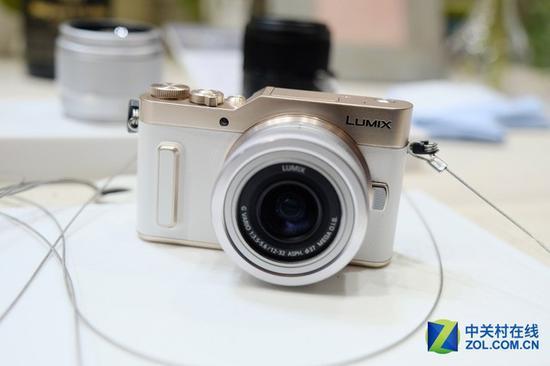 微单相机正在逐渐改变用户的购买习惯,也让相机购买成本进一步降低