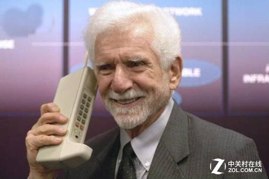 马丁・库帕和它发明的世界上首款真正意义的手机