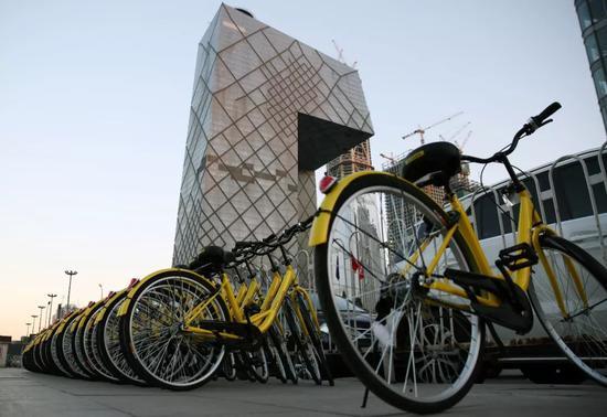 北京CBD地区的共享单车。@视觉中国