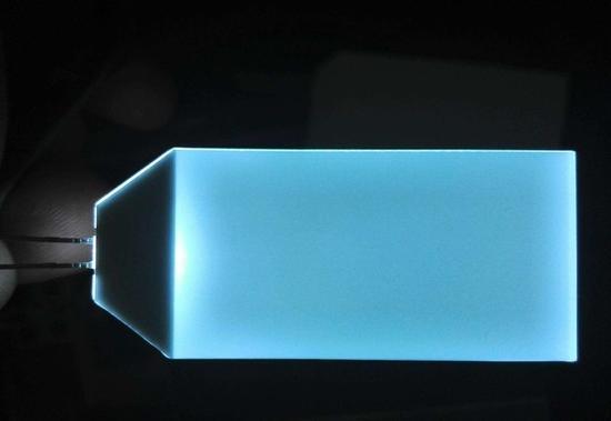 液晶产品的背光板目前市面上能见到的量子点电视基本都是被动发光的