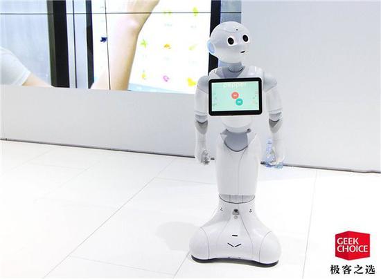 这款灵感来自《铁壁阿童木》的机器人你熟悉吗?