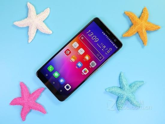 HTC新旗舰U12曝光磨砂白版本值得期待(图为HTCU11+)
