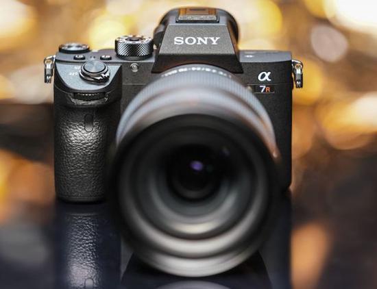 在微单相机的发展上,日系企业也是技术发展的领导者
