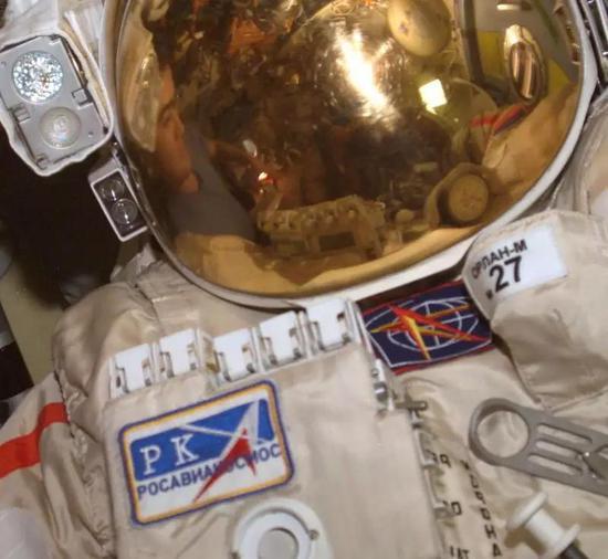 俄罗斯星辰科学研究所研发的奥兰宇航服