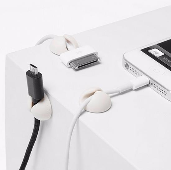 桌面理线器,非常的方便,有了它桌面不再凌乱不堪。