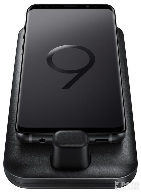 三星DeX Pad连接三星S9的效果图