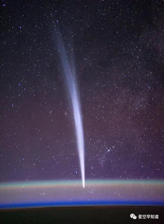 宇航员从国际空间站上拍摄的彗星 C/2011 W3 (Lovejoy) 来源:wiki