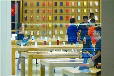 消费者反映在苹果专卖店购买的翻新机出现故障