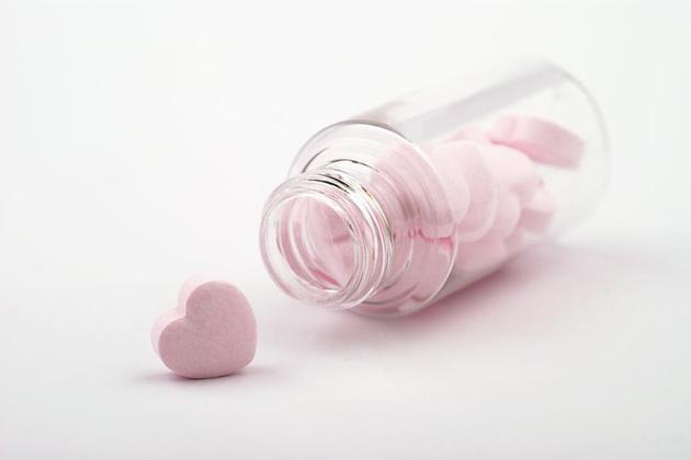 药物可以点燃爱情,也可以使爱情熄灭。但是,如果神经科学家搞清楚这神奇的配方,我们应该使用它吗?