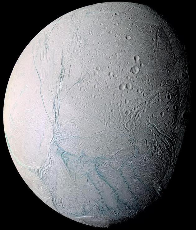水、热量和有机分子都存在于土卫二表面,使这颗星球成为太阳系最有可能适宜生命的地外星球之一。
