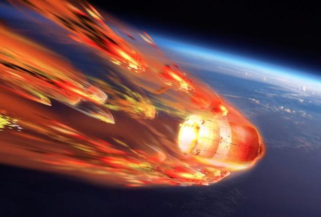 未受控制的大气层再进入过程,将产生大量碎片坠落在地球任何角落。像哈勃太空望远镜主镜这样沉重坚硬部件,坠落地面将带来严重的破坏。