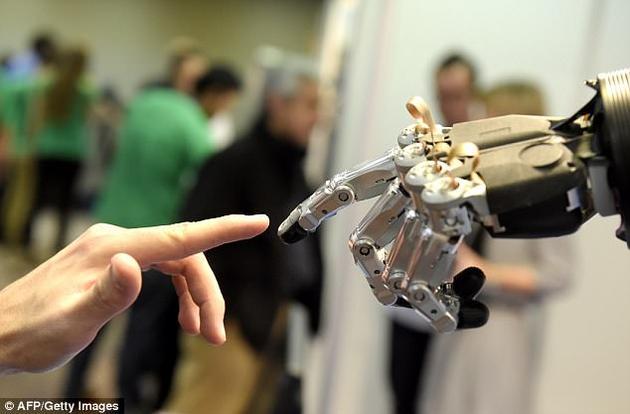 尽管有种种担忧,但目前性爱机器人已经逐渐成为一项盈利颇丰的生意。