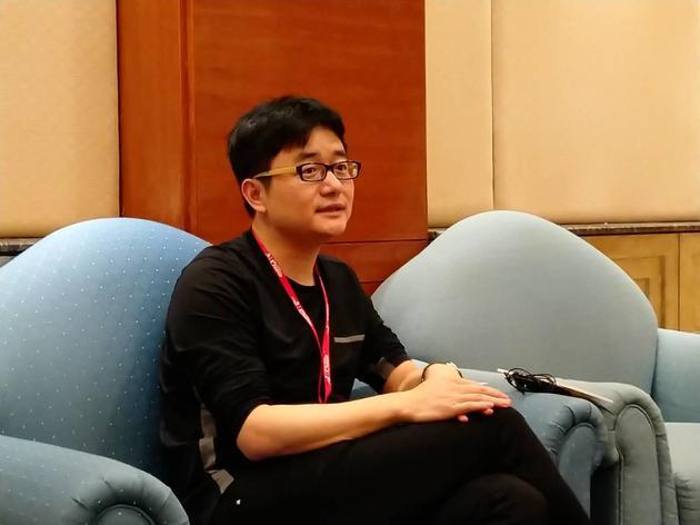 傅盛接受新浪科技采访