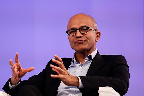 当地时间2017年11月7日,印度新德里,微软CEO萨提亚・纳德拉在新德里宣传新书《Hit Refresh》。 视觉中国 图