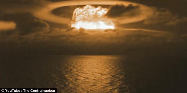 这场核试验于1954年开展,实际TNT当量高达1500万吨,远远超出预期,导致附近岛礁上的居民遭受了严重核辐射。
