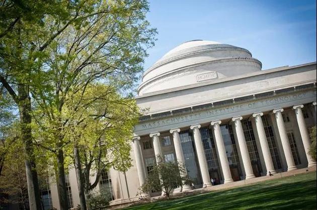 麻省理工学院在2月底公布的2018QS世界大学排名中位居第一,而在《泰晤士高等教育》2018世界大学排名中处于第五的位置。我们到底应该相信哪个?