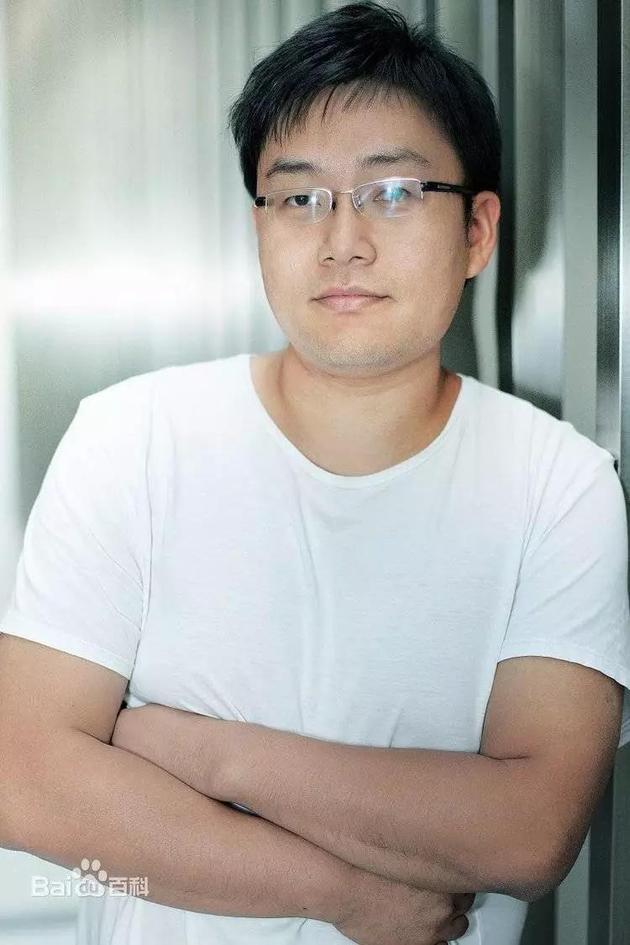 这就是那张三年前曾经瘦过的李楠的照片 图片来源:百度百科
