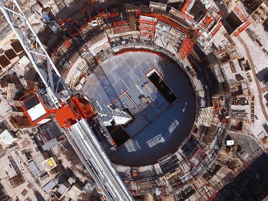 正在建设中的国际热核聚变实验堆(ITER)场址。图片来源:ITER组织官方网站