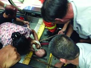 广西梧州一幼童卷入扶梯受伤 南京全城开展电梯风险排查