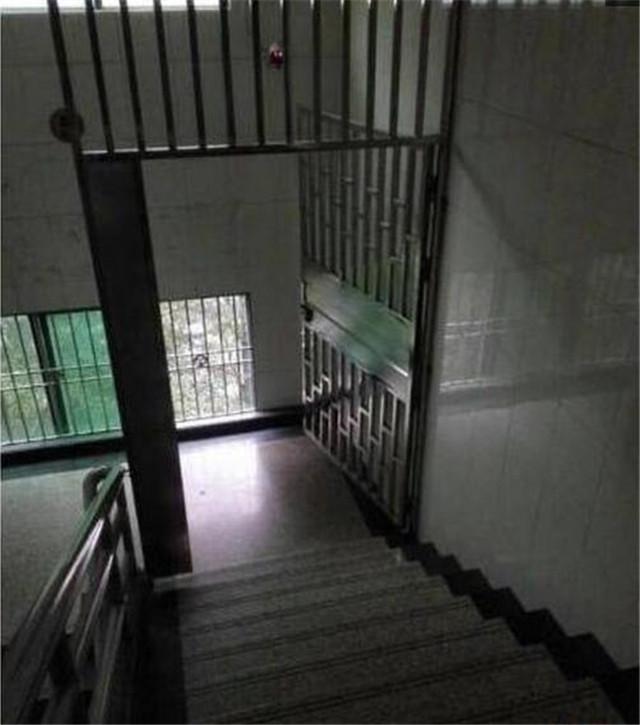 楼道安全门
